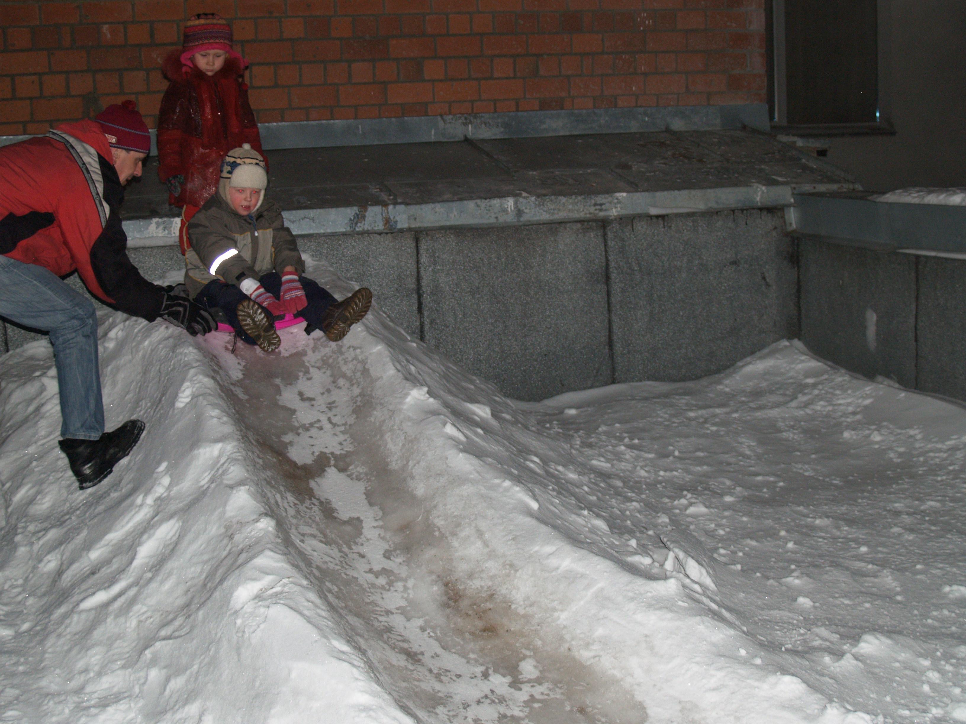 киеве делаем горку из снега фото рынка очень